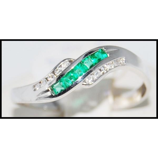 18k white gold genuine gemstone emerald ring r0050