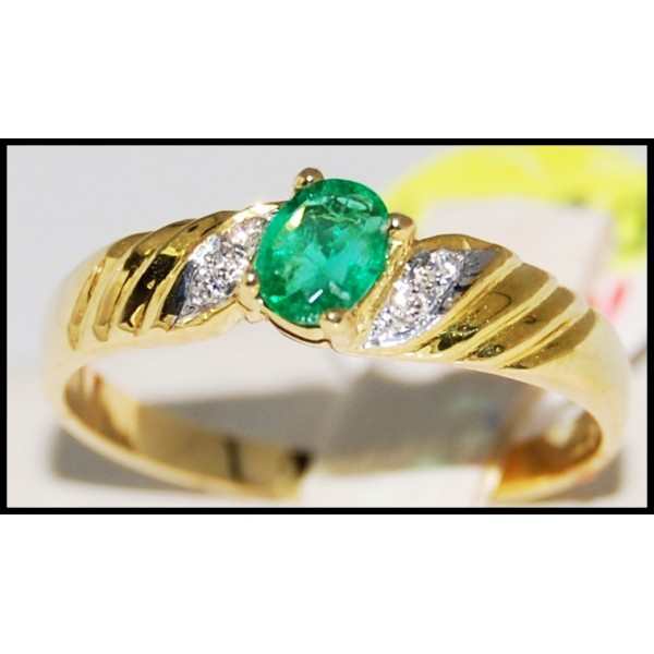 genuine 18k yellow gold emerald solitaire ring r0102