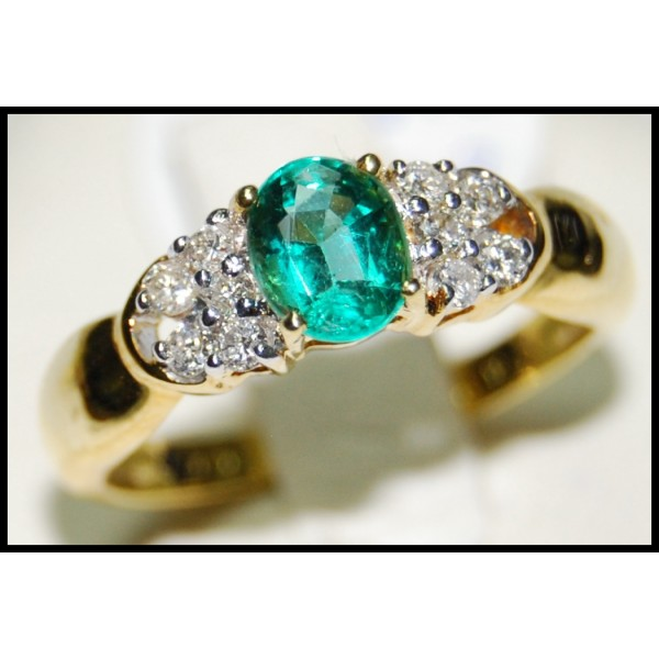 18k yellow gold solitaire unique emerald ring rs0073